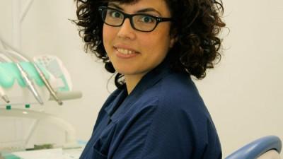 Implantología oral (I): «El implante dental es actualmente lo más parecido a un diente natural»