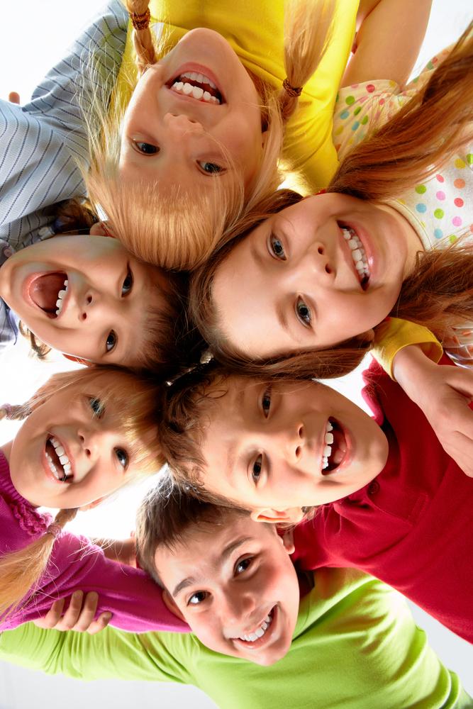 grupo_niños_sonriendo.jpg