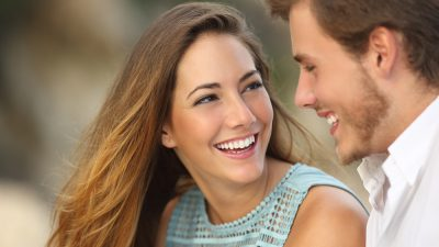 Beneficios del tratamiento de blanqueamiento dental profesional en consulta