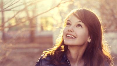 Estos alimentos podrían ser los causantes de que tu sonrisa no luzca bonita