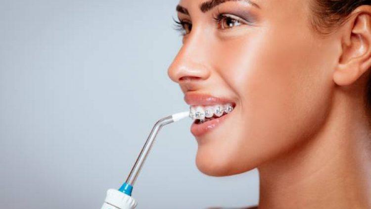 ¿Cómo usar un irrigador bucal?